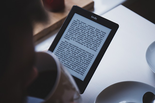 How to Incorporate E-Books Into Your Social Media Marketing Strategy