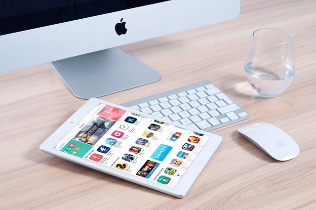 How To Cross-Promote Social Media And Mobile Applications
